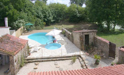 Outdoor Pool at Le Cedre Cottage, Vendee.France