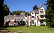 Wing of 18th Century Château situated in 9 acres of woodland